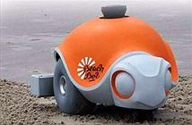 Robot vẽ tranh trên bãi biển