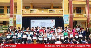 GM Việt Nam trao học bổng cho học sinh nghèo