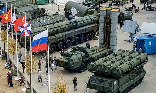 Cấm vận của Mỹ không ngăn được vũ khí Nga bước ra thế giới