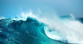 Tại sao biển lặng gió mà vẫn có sóng?