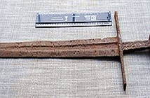 Thanh kiếm 800 năm nghi của hiệp sĩ Đền Thánh