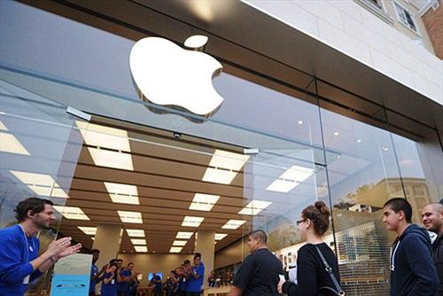Nhân viên Apple Store không bị áp lực doanh thu iPhone