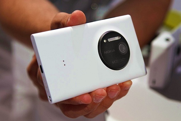 Lumia 1030: Tất cả những đồn đại
