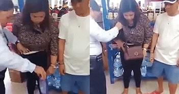Nữ quái vào siêu thị trộm... 12 chai dầu gội giấu trong quần và áo ngực