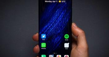 """Huawei vẫn bán """"chạy"""" smartphone bất chấp tất cả"""