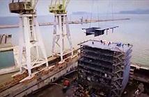 Tàu 33 nghìn tấn được xẻ đôi để nối dài thân