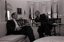 Mỹ không sử dụng vũ khí hạt nhân trong Chiến tranh VN vì sợ... ?