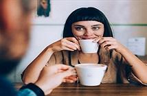Vì sao phụ nữ thường dễ bị trầm cảm và rối loạn ăn uống hơn đàn ông?