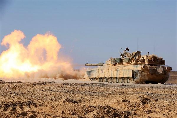 Tròn mắt xem hoả lực Quân đội Mỹ khạc lửa sáng rực trời xanh