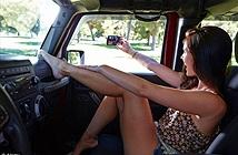 Cảnh báo tình trạng selfie khi lái xe