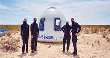 Danh tính sinh viên 18 tuổi bay vào rìa không gian cùng Jeff Bezos