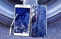 Màn thử độ bền cân não giữa Galaxy Note 5 và iPhone 6 Plus