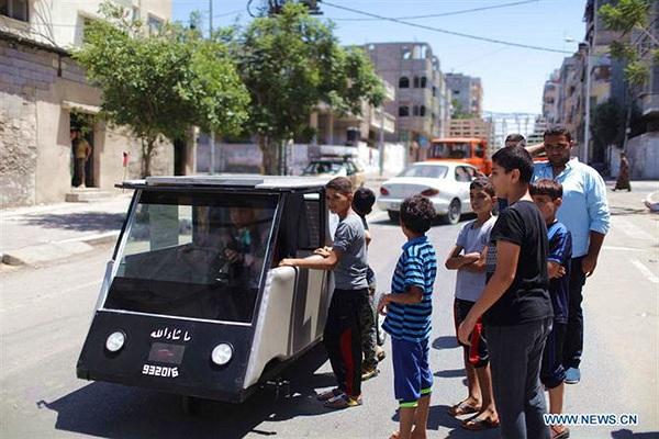 Cận cảnh xe năng lượng mặt trời tự chế đầu tiên của sinh viên Palestine
