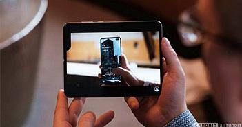 """Samsung khuyên người dùng Galaxy Fold """"Cầm máy cẩn thận"""""""