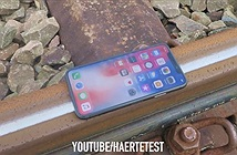 Xem iPhone X bị tàu hỏa nghiến nát như thế nào