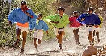 Bộ lạc thọ hơn 100 tuổi chạy khỏe nhất hành tinh
