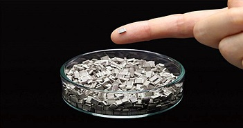 Nhật sắp thương mại họa pin thể rắn, nhỏ hơn đầu ngón tay, an toàn hơn pin li-ion