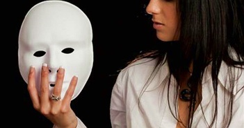 Người phụ nữ mang bệnh không biết sợ