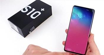 """""""Phát sốt"""" với video đập hộp Galaxy S10+"""