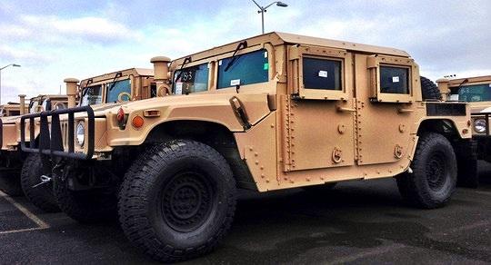 Mỹ cung cấp máy bay, xe bọc thép cho Ukraine