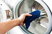 Tại sao máy giặt càng giặt càng bẩn?