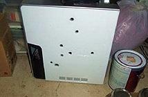 Bắn 8 phát đạn vào chiếc PC Dell vì lỗi màn hình xanh chết chóc