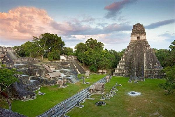 """Thứ lạ lùng trong thành cổ Maya: Như """"xuyên không"""" từ thời hiện đại"""