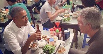 Ảnh ông Obama ngồi ăn bún chả Hà Nội lan truyền chóng mặt trên mạng
