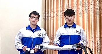 Đôi bạn thân 10X chế tạo cánh tay robot cho người khuyết tật đoạt giải quốc tế