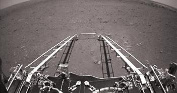 Hình ảnh đầu tiên do tàu vũ trụ Trung Quốc chụp trên Sao Hỏa