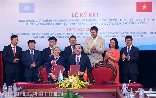 Ký thỏa thuận thành lập 2 trung tâm khoa học dạng 2 được UNESCO công nhận