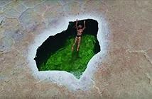 Kỳ thú hồ bơi giữa sa mạc, xanh lạ hệt ngọc bích
