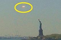 Xôn xao UFO đen sì bay gần Tượng Nữ Thần Tự Do