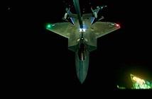 Vẻ đẹp đầy ma mị của phi cơ F-22 Raptor giữa đêm