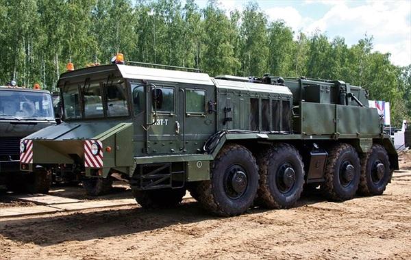 Việt Nam nhập đầu kéo hạng nặng - Đón đầu xe tăng thế hệ mới?