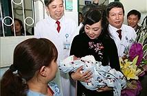 Bộ trưởng Bộ Y tế: Kỹ thuật mang thai hộ tại nước ta đã ngang tầm thế giới