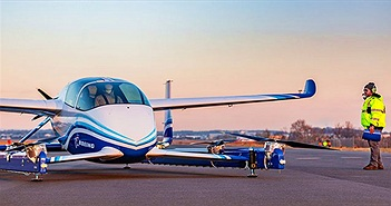 """Ô tô bay của Boeing cất cánh, làm """"nóng"""" cuộc đua vận tải trên không"""
