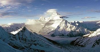 Kỳ dị khám phá núi lạ trên Himalaya, 7 xác không hồn trở về