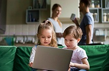 Phụ huynh lo lắng dữ liệu riêng tư bị tiết lộ với con cái hơn là tội phạm mạng
