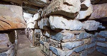 Khám phá đền cổ, phát hiện hài cốt 3.000 năm trong tư thế lạ