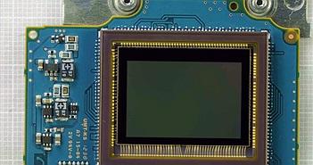 Toshiba sẽ bán bộ phận cảm biến máy ảnh cho Sony?