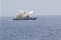 Chiến hạm Ấn Độ phóng tên lửa Kh-35 Uran diệt mục tiêu trên biển