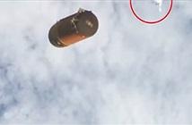 Phát hiện UFO màu trắng quay quanh Trái Đất hàng ngàn năm qua
