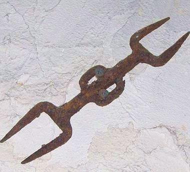 18 phương pháp tra tấn rợn người thời Trung Cổ