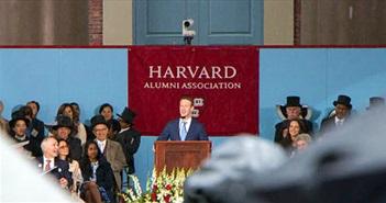 Zuckerberg khóc khi trò chuyện với sinh viên trường Đại học Harvard