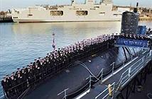 Facebook khiến Hải quân Anh thiếu thủy thủ tàu ngầm