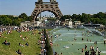Châu Âu tiếp tục nắng nóng, nhiều kỷ lục mới về nhiệt độ