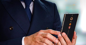 Smartphone Android hạng sang giá 2.500 USD của Lamborghini