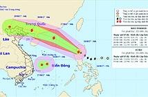 Bão Pakhar và áp thấp nhiệt đới cùng đang đe dọa Biển Đông