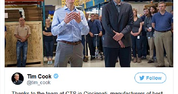 Liệu đó có phải là iPhone 8 trong túi của CEO Tim Cook không?